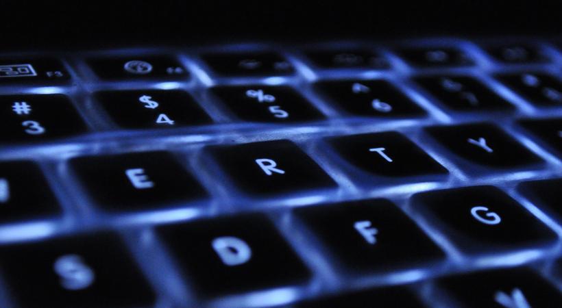 image couleur d'un clavier d'ordinateur en gros plan